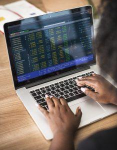 סקירות שבועיות בשוק ההון