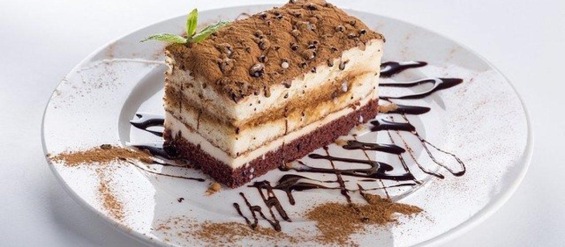 עוגת שמרים או קרם? הקסם של כל אחת
